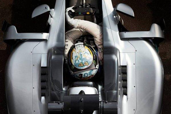 FIA zavedla systém žolíků pro přilby