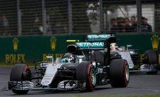 Mercedes zváží zavedení týmové režie