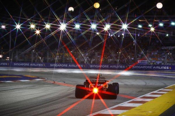 Ferrari po dvou letech opět balilo předčasně