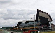Na Silverstone bude DRS i v zatáčkách
