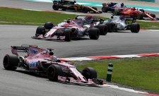 Force India trvá na týmových příkazech