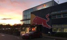 Red Bull má květnový deadline