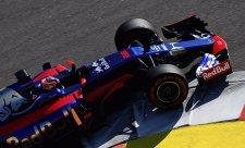 Kvjat: Toro Rosso chybí peníze