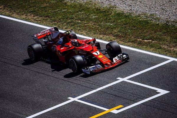 Třetí trénink Räikkönenův, Bottas a Vettel v problémech