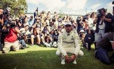 I druhý trénink ovládl Lewis Hamilton