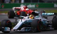 Z první řady odstartují Hamilton a Vettel!