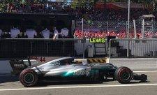 Mercedes Ferrari dokonale zkazil oslavu 70. výročí