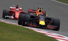 Verstappen už Vettelovu kritiku nebere vážně