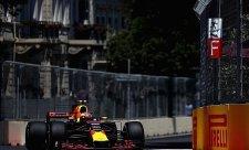Verstappenův skvělý pátek s jednou podivnou havárií