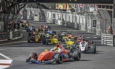 Číňan Ye udržel vedení v Eurocupu F Renault