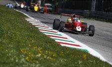 Číňan poprvé vyhrál závod Eurocupu formule Renault