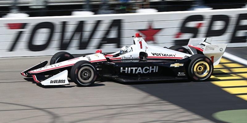 Vyrovnaný šampionát IndyCar pokračuje nočním závodem