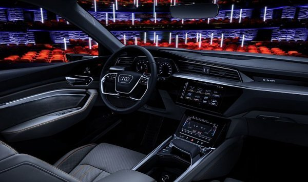Audi ukáže v Las Vegas kino v autě