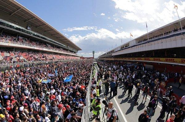 Poloprázdný Katalánský okruh