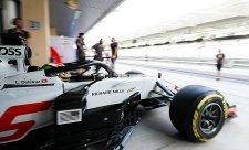 Pirelli oznámilo obutí pro úvodní čtyři VC