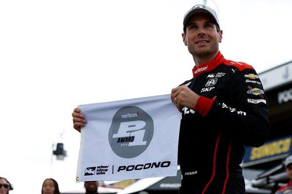 Power získal 53. pole position a vyrovnal Foyta