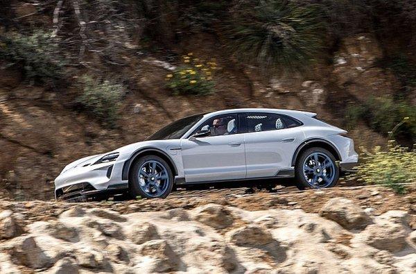 Porsche Cross Turismo do výroby