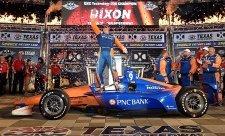 Dixon vyhrál v Texasu a vede šampionát