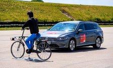 Nouzové brzdění chrání chodce a cyklisty