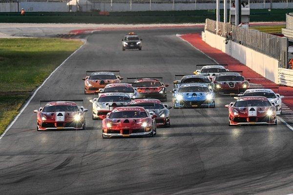 Palcr ve Ferrari Challenge vystoupil na pódium