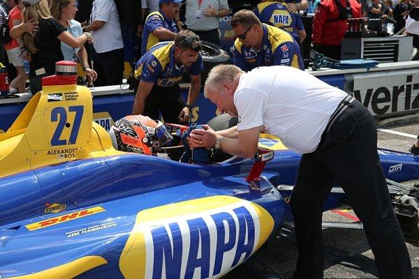 Napínavé klání v Ohiu ovládl Rossi