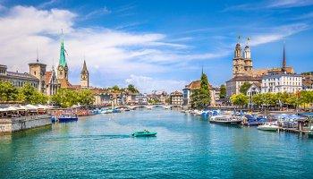 Automobilové setkání ve Švýcarsku