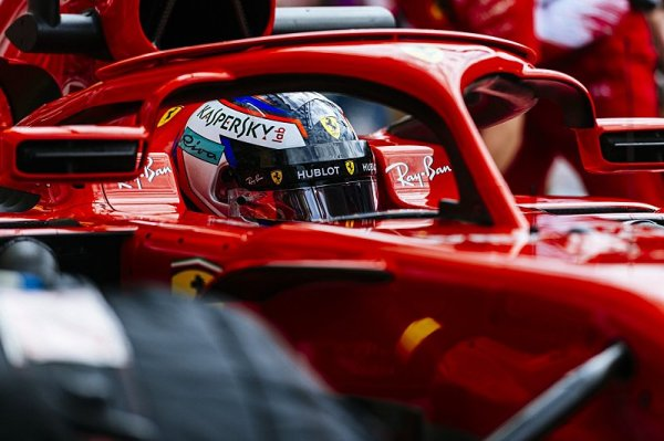 Vettel vysekl poklonu Verstappenovi
