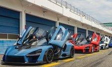 McLaren se ocitl v červených číslech