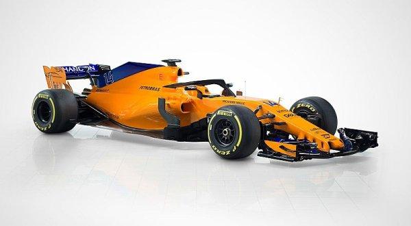 Současný McLaren má méně přítlaku než loňský