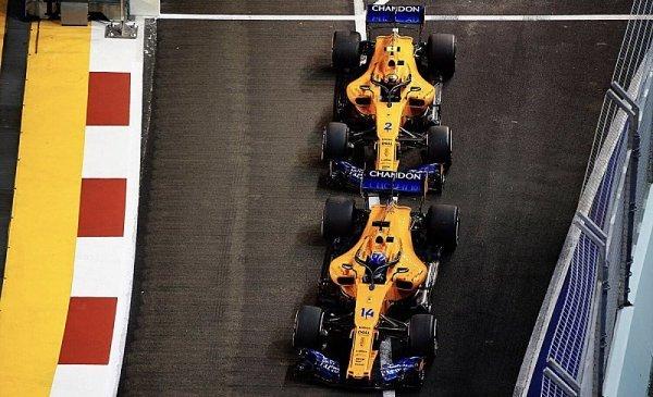 Alonso slavil malé vítězství