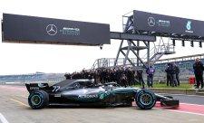 Mercedes ani neuvažoval o zkrácení rozvoru