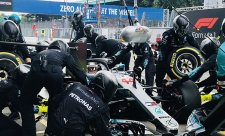 Mercedesu fingovaná zastávka v Monze u FIA prošla