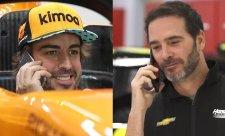 Fernando Alonso a Jimmie Johnson si vymění vozy