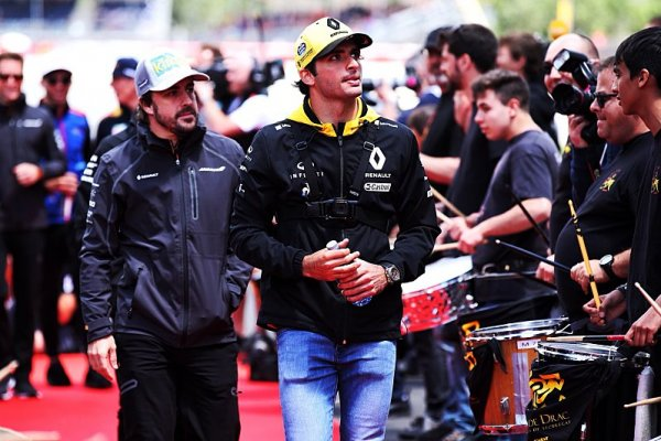 Za Sainze se u McLarenu přimlouvá Alonso