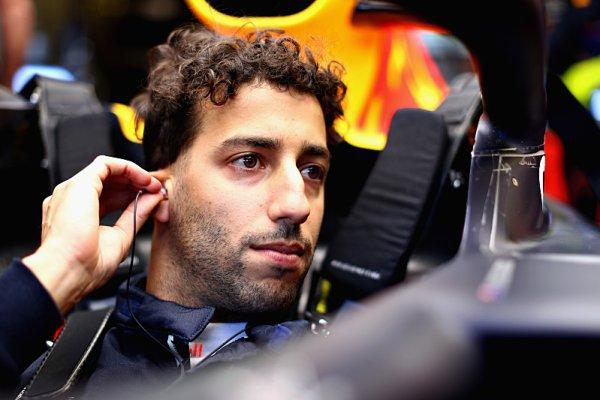 Ricciardo si je jistý setrváním v Red Bullu