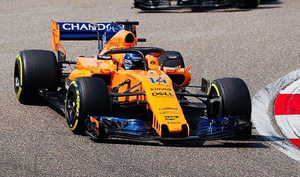 Alonso bodoval potřetí v řadě