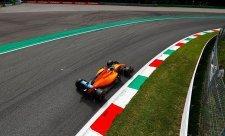 Magnussen si začal, tvrdí Alonso