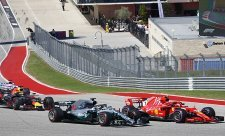 Mercedes modifikoval kola, aby si Ferrari nestěžovalo