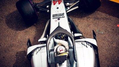 Hamilton si mistrovské auto doma nevystaví
