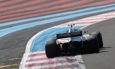 Magnussen vyhrál bitvu s pneumatikami