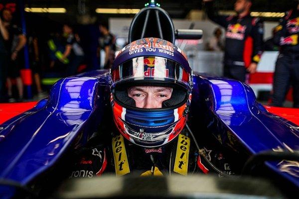 Kvjat usedne do Toro Rosso ještě letos