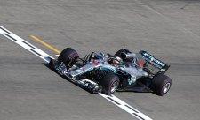 Hamilton odmítá podíl viny na výpadku
