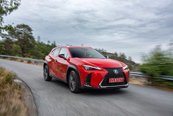 Lexus UX chce vystoupit z davu obyčejných crossoverů