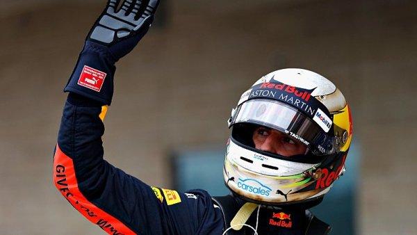 Po Ricciardovi zůstala díra ve zdi