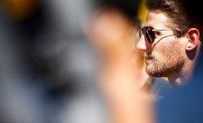 Grosjean boural kvůli trampotám s volantem