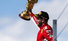 Vettel dostal v Silverstone neúplnou trofej