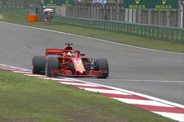 Fantastickou bitvu s Räikkönenem vyhrál Vettel