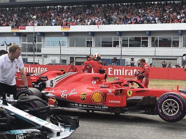 Mercedes na rovinkách ztrácí 0,5 sekundy