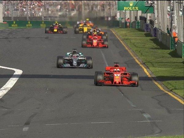 Vettel senzačně vyhrál díky mistrovskému tahu Ferrari