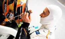 McLaren stojí na místě, zlobí se Vandoorne